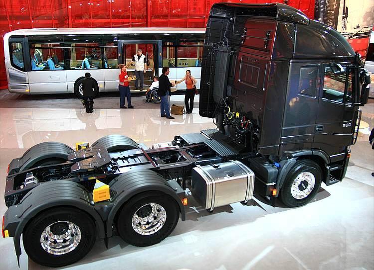 www.hadel.net - AUTOS - LKW - Iveco - Stralis 560 PS auf der IAA 2006