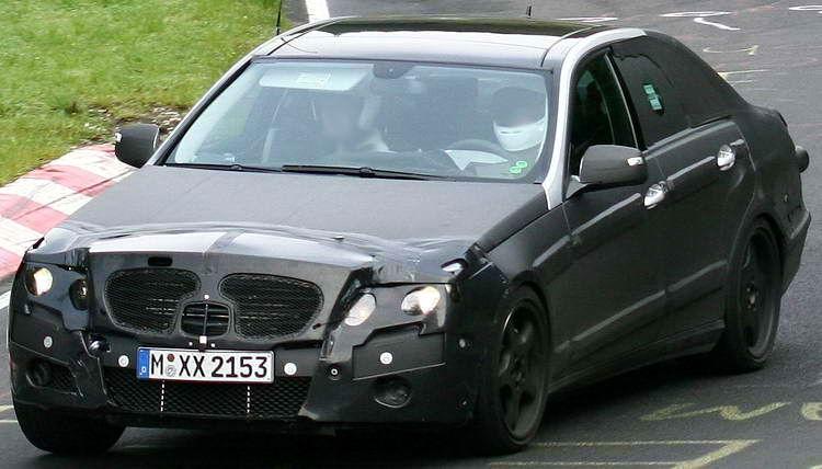 autos pkw mercedes mercedes e klasse amg e63 erlk nig modell 2009. Black Bedroom Furniture Sets. Home Design Ideas