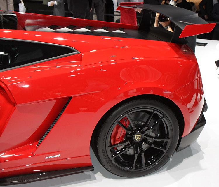 2011 Lamborghini Gallardo Exterior: Gallardo 570-4