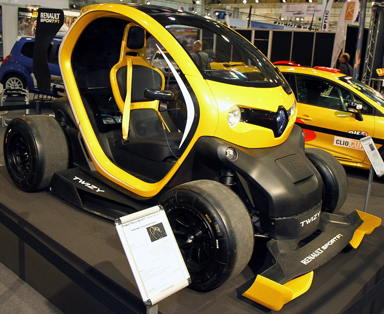 autos pkw renault twizy sport f1. Black Bedroom Furniture Sets. Home Design Ideas
