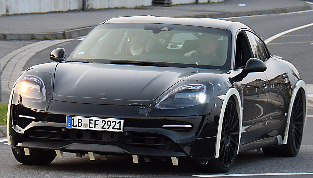 2019 - [Porsche] Taycan [J1] - Page 2 Pkw_porsche_mision_e_erlk01_2017_01
